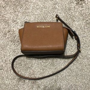 Michael Kors Mini Selma Crossbody Bag